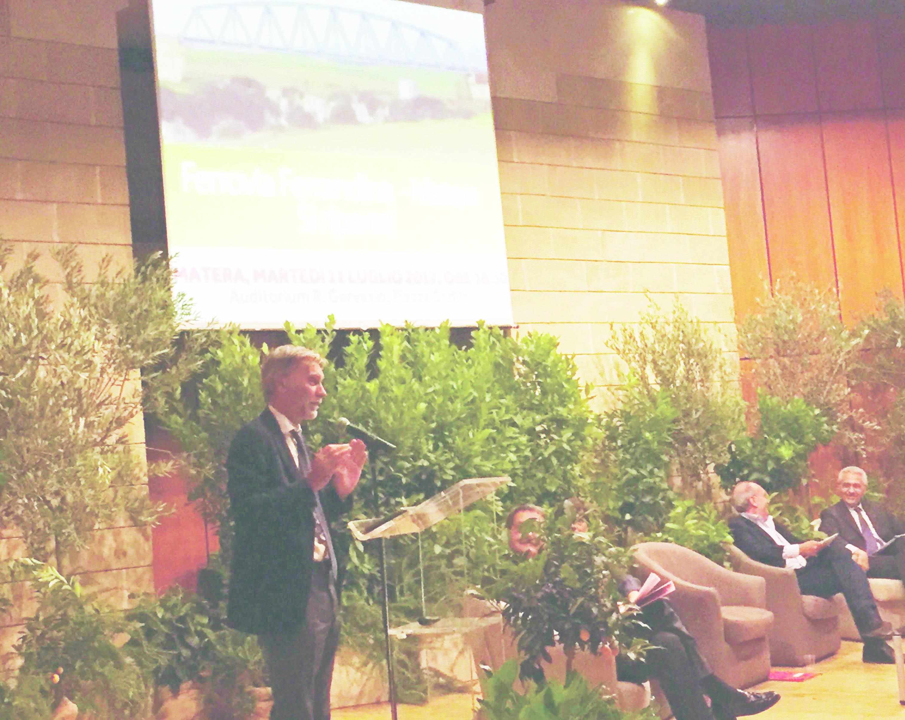 Trasporto ferroviario, via ai lavori alla galleria Miglionico: il ministro Delrio: «La ferrovia Matera-Ferrandina si farà»