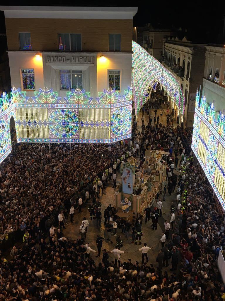 FOTO - Matera, la magia della Festa della Bruna dall'attesa alla processione