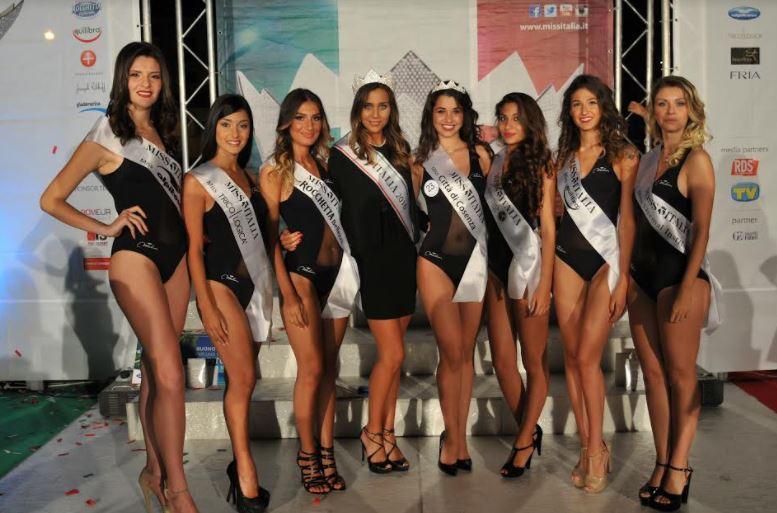 VIDEO - Tappa di Miss Italia a Cosenza: in giuria spunta la maglietta del gay pride