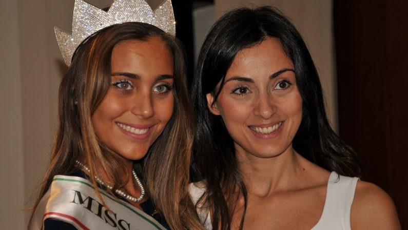 VIDEO - Miss Italia a Cosenza: Rachele Risaliti madrina della serata evento tra bellezza e cultura