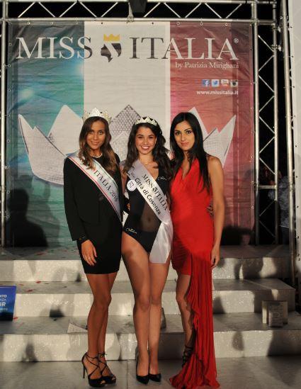 Miss Italia incorona Miss Cosenza: serata di moda e bellezza nella rinnovata piazza Bilotti