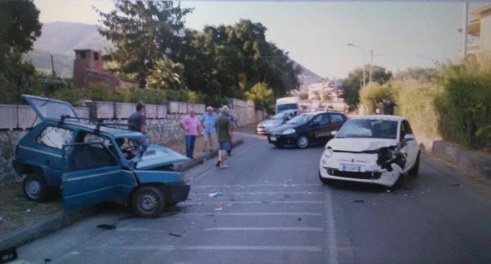 Incidente stradale nel Cosentino, scontro tra due automuore dopo alcune ore un insegnante in pensione