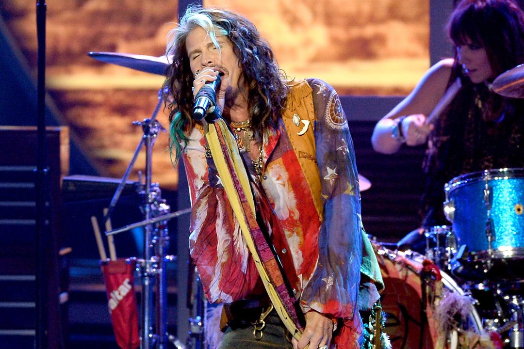 """Il frontman degli Aerosmith torna nella """"sua"""" Cotronei  L'icona rock Steve Tyler è originario della Calabria"""