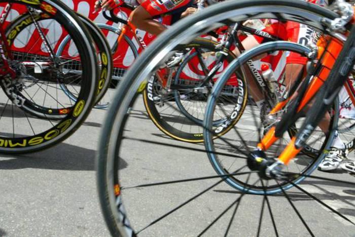 Giro in rosa, tragedia nel beneventano: giovane ciclista in fin di vita