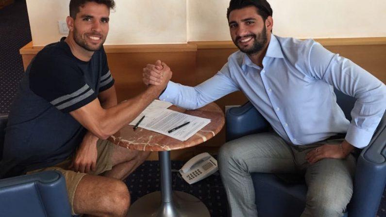 Crotone, un rinforzo per la difesa: preso dal Real Saragozza l'uruguaiano Cabrera