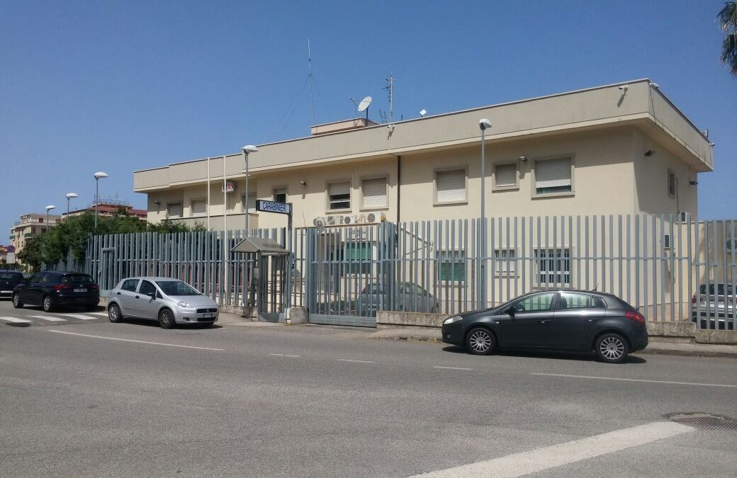 La caserma dei Carabinieri di Pizzo dove i quattro sono stati trasferiti