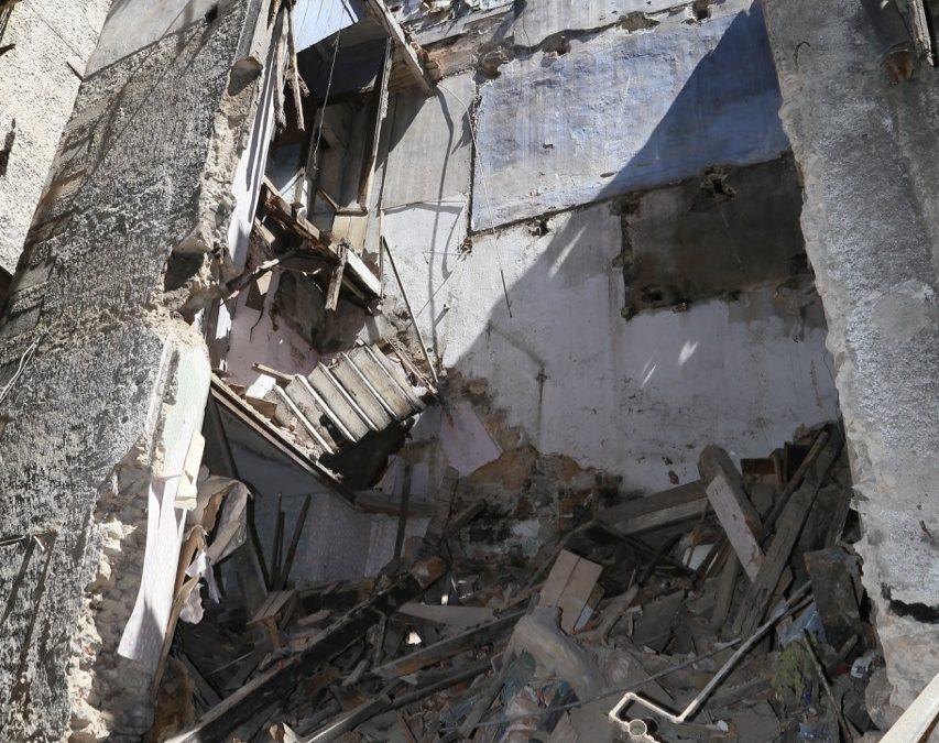 Cosenza, crolla solaio di una casa nel centro storico  Rischio nuovi cedimenti, evacuato stabile adiacente