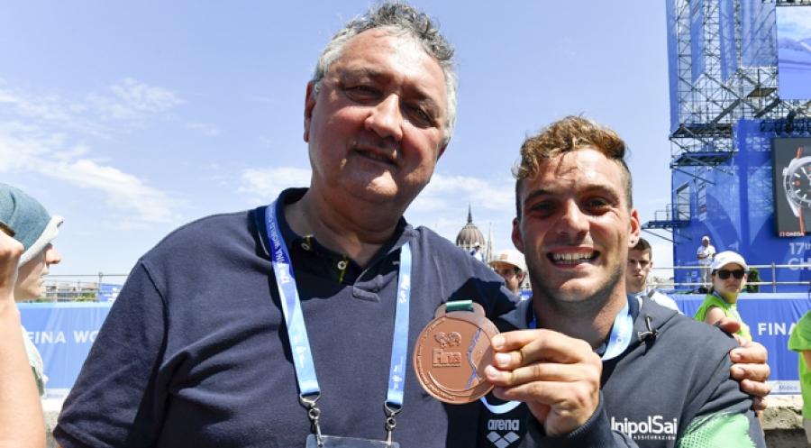 Ancora un cosentino tra i campioni dei tuffi a Budapest  De Rose medaglia di bronzo nelle grandi altezze