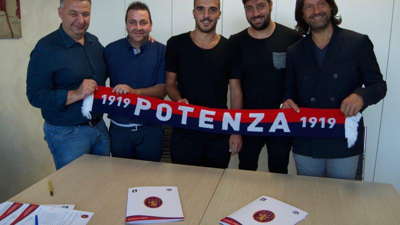 Giuseppe Coccia ha firmato con il Potenza Calcio: «Affascinato dal nuovo progetto dei rossoblù»