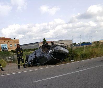 Automobile si ribalta a Lamezia Terme, muore un giovane di 22 anni residente nel Vibonese