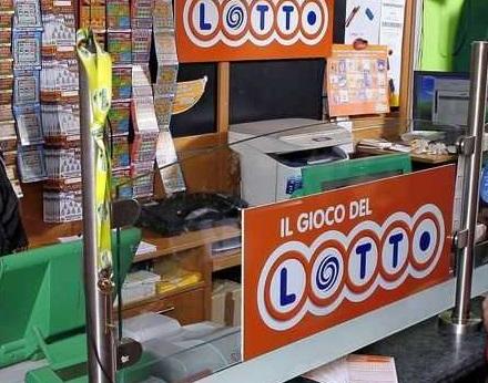 Sbancato il Lotto nel Catanzarese, vinti 124mila euroCentrata quaterna su Napoli con diversi ambi e terni