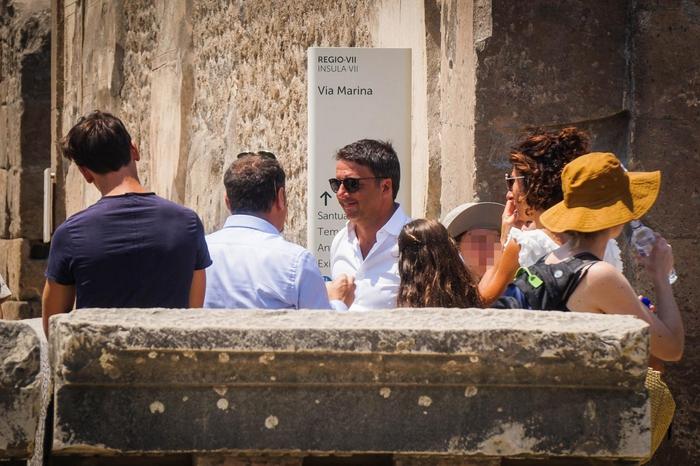 Pompei, visita a sopresa di Renzi: meraviglia e orgoglio d'Italia