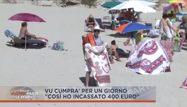 L'inviato di Retequattro si finge ambulante a TropeaIn poche ore incassa diversi euro con i teli mare