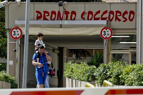 Bimbo di 18 mesi mangia hashish, ricoverato a Torre del Greco