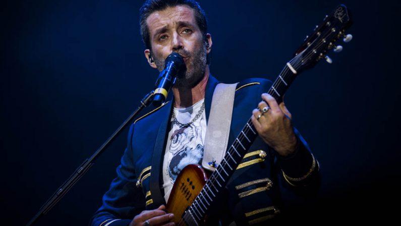 Daniele Silvestri farà tappa con il suo tour a Diamante«Non mi fermo mai, non voglio» dice di sé al Quotidiano