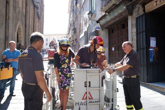 Incendio nel centro storico di Cosenza, magistratinella casa dove sono morte le tre persone
