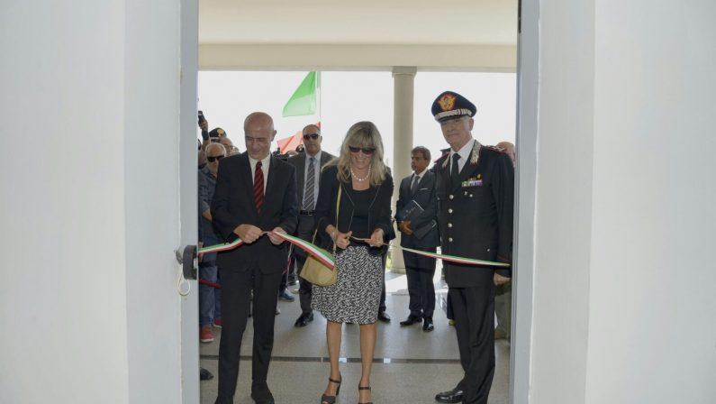 A Lamezia e Gioia Tauro i neo Gruppi dei CarabinieriMinniti: «Parte dalla Calabria sfida alla 'ndrangheta»