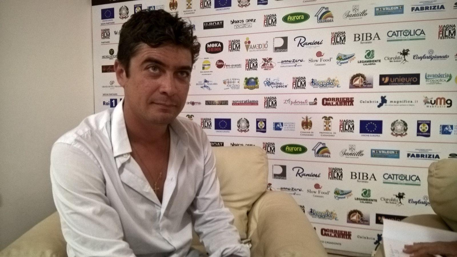 Scamarcio special guest al Magna Graecia Film FestivalIl Riccardo che non ti aspetti nell'intervista al Quotidiano