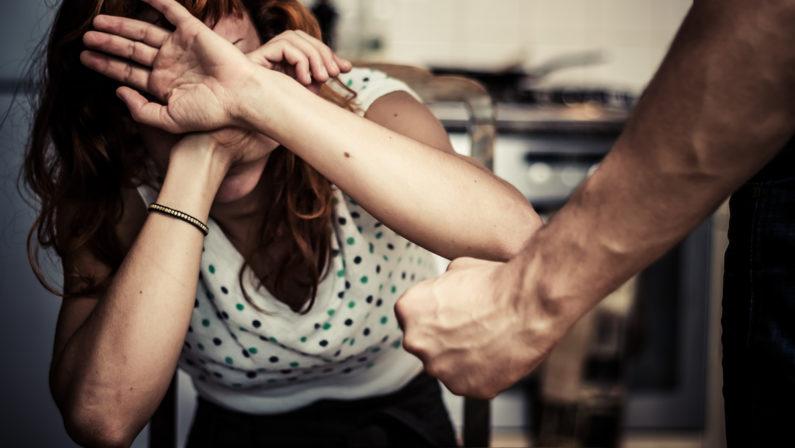 Violenze e vessazioni sulla moglie, divieto di avvicinamento per un 44enne nel Vibonese