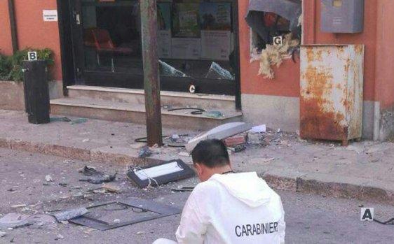 Furto con esplosivo al bancomat di Bisaccia: ladri in fuga con il bottino