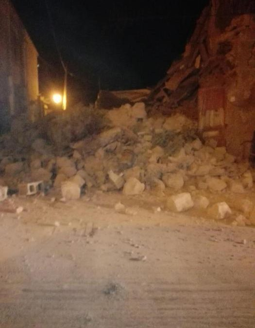 Terremoto a Ischia, gente in strada e black out elettrico: si temono dispersi