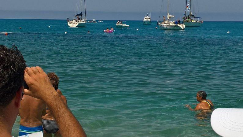 FOTO - La traversata da Stromboli a TropeaL'impresa di Notarianni per amore del figlio