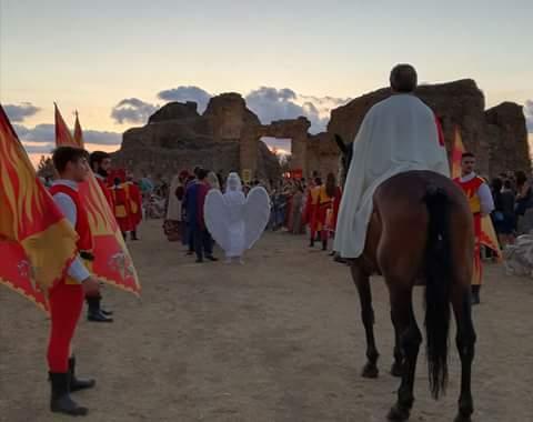 FOTO – Nel Vibonese la revocazione storica dell'arrivo di Roberto il Guiscardo al castello di Arena