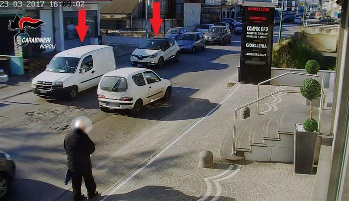 Castellammare, rapina in gioielleria con fucile a canne mozze: identificato quarto complice