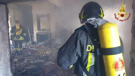 In fiamme uno dei ristoranti più noti di Catanzaro  Rinvenute diverse taniche di benzina, danni ingenti