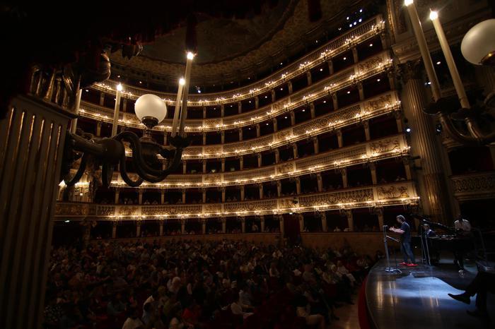 Il San Carlo inaugura stagione lirica dellaDubai, sold out con Mozart