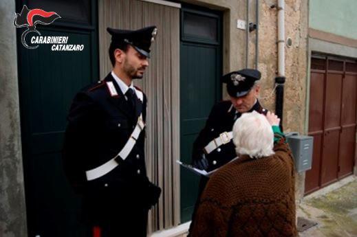 Truffavano anziani, scoperta una organizzazioneVittime cercate su pagine bianche anche in Calabria
