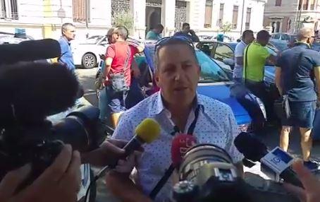 Sit in dei lavoratori portuali di Gioia Tauro alla prefettura di Reggio Calabria, le ragioni della protesta