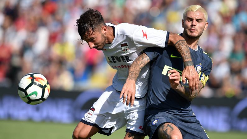 """FOTO – Il Crotone crea e spreca, l'Inter ne approfitta e vince allo """"Scida"""""""