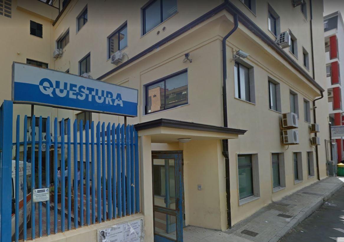 Armi e munizioni a casa e droga in macchinaArrestate dalla Polizia due persone nel Crotonese