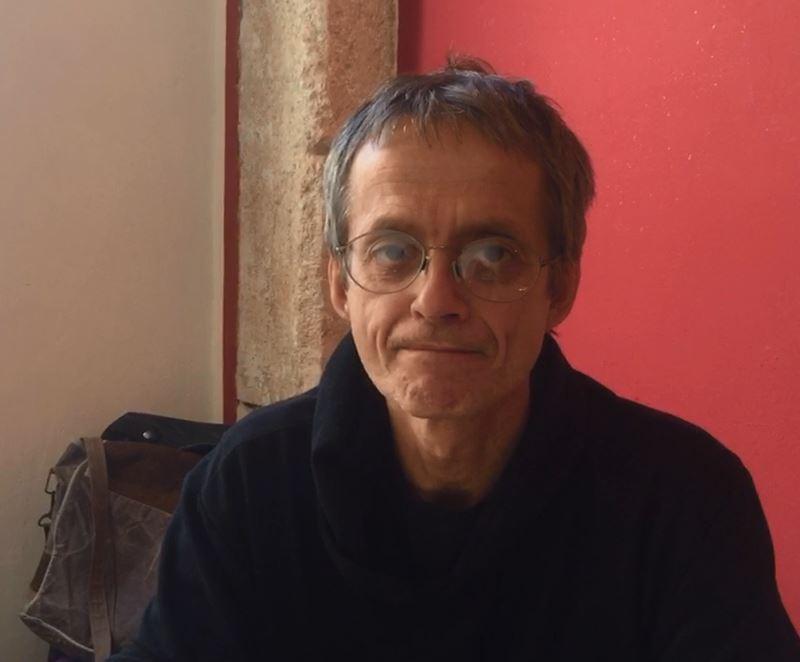 """VIDEO – Fumetti, Marco Soldi, copertinista di Julia, a Cosenza per il festival """"Le strade del paesaggio"""""""