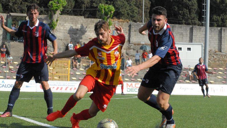 Il punto sulla Serie D. Nella giornata del doppio derbyC'è il debutto della Vibonese dopo il rigetto del ricorso