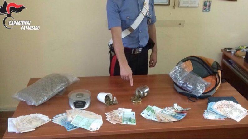 Droga e migliaia di euro in casa nel CatanzareseArrestati due fratelli dopo le perquisizioni domiciliari