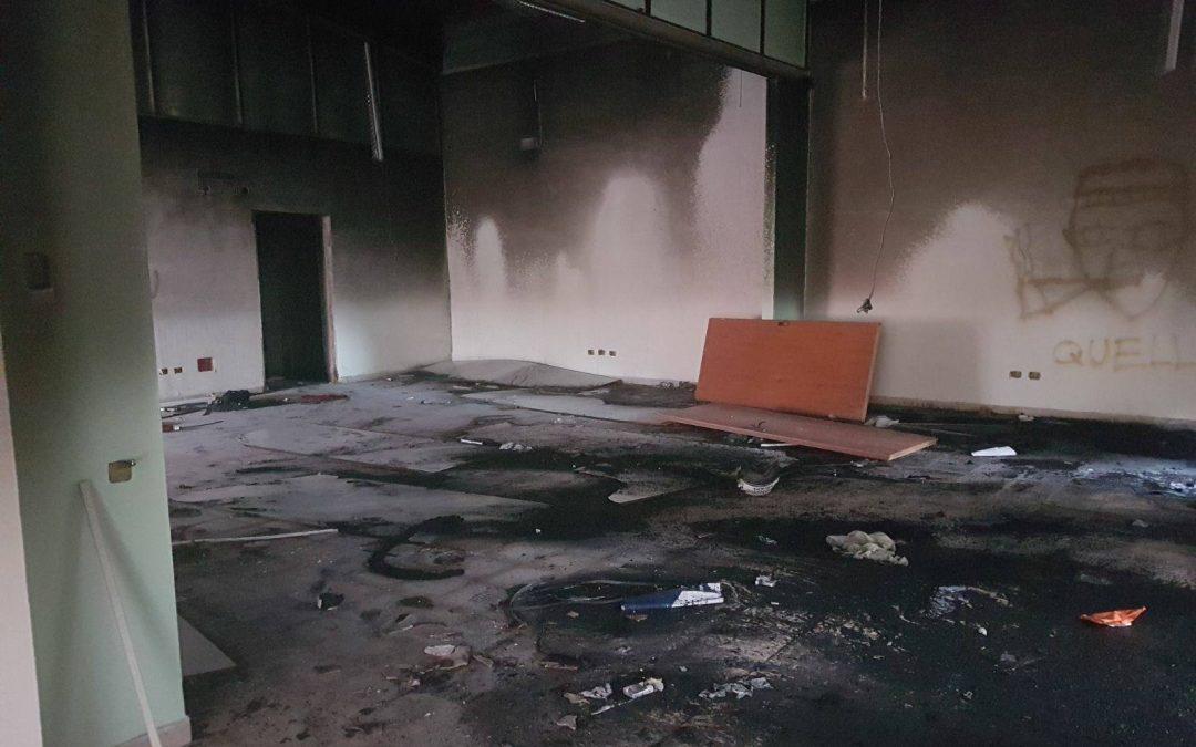 In fiamme centro comunale destinato a disabili  Intimidazione a Reggio. Il sindaco: «Ricostruiremo»