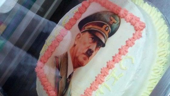 C'è Hitler sul dolce: diventa un caso nazionale la torta di Maratea