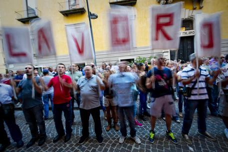 Napoli, disoccupati protestano davanti alla Provincia