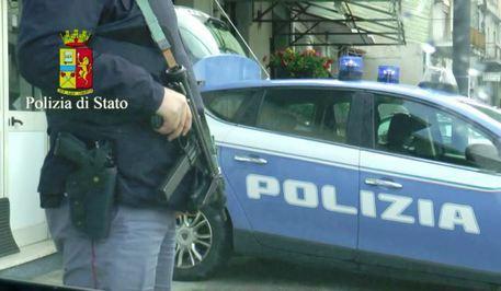 Raid a colpi pistola a Napoli
