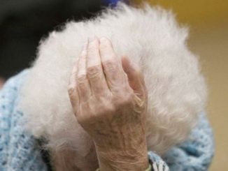 Entra in casa di un'anziana fingendosi operatore Enele la deruba di mille euro in contanti nel Crotonese