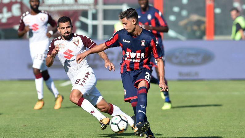 Serie A, la vittoria del Crotone sfuma nel recupero  Il Torino conquista il pari su un calcio d'angolo