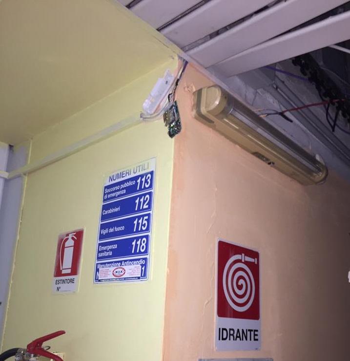 FOTO - Vandali a Isola Capo Rizzuto, distrutta una scuolaLe immagini dei danni causati dai malviventi all'istituto