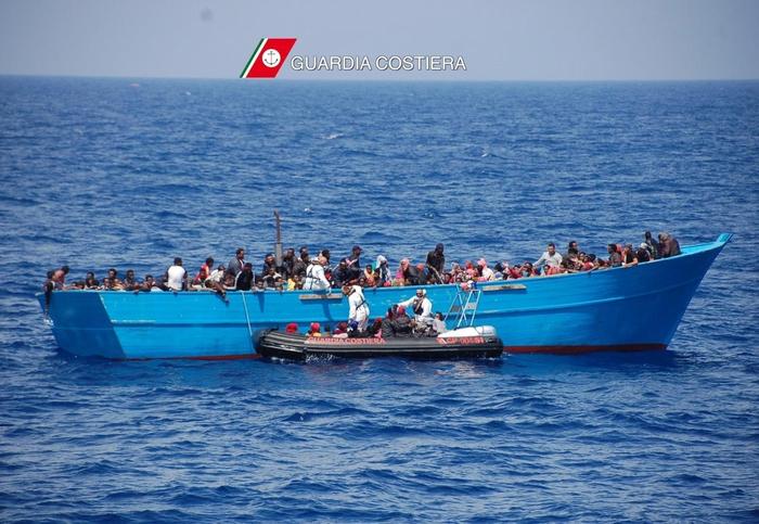 I migranti tratti in salvo dalla Guardia Costiera