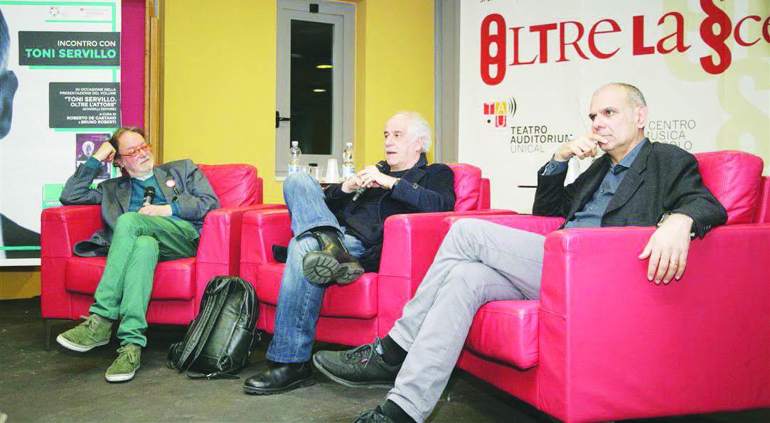 Unical, i docenti del Dams estromessi dalla gestione del teatro: «Tre anni di lavoro andati in fumo»