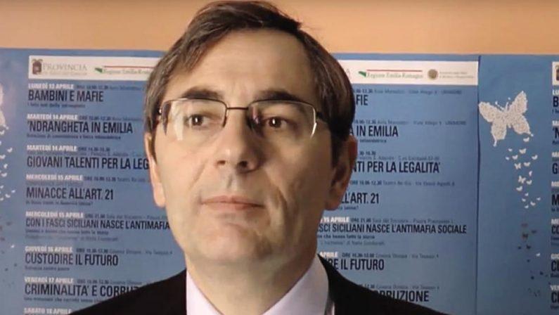 «Vittime anche i figli dei boss» Intervista al giudice Roberto Di Bella