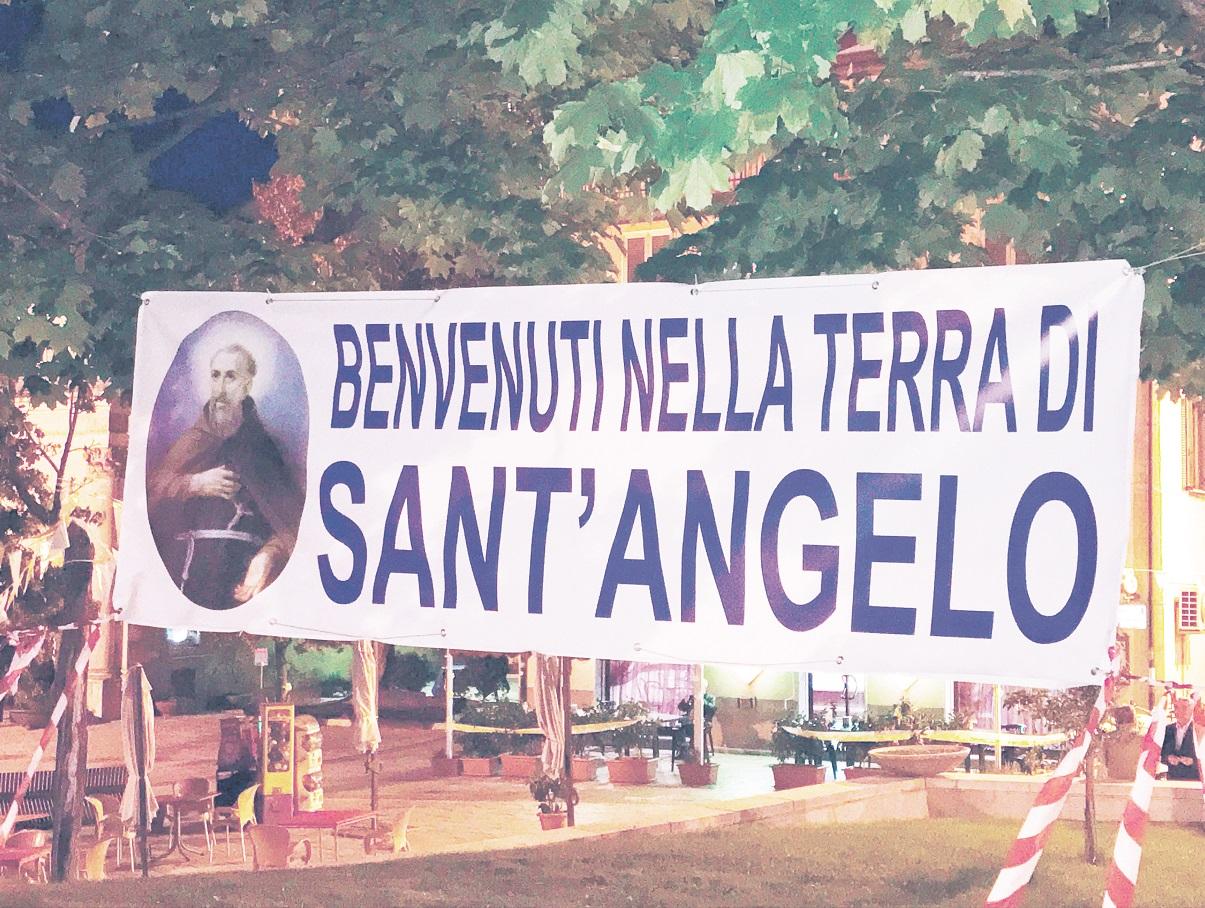 Grande festa della Calabria per il beato Angelo d'AcriIn migliaia da Papa Francesco che lo dichiarerà Santo