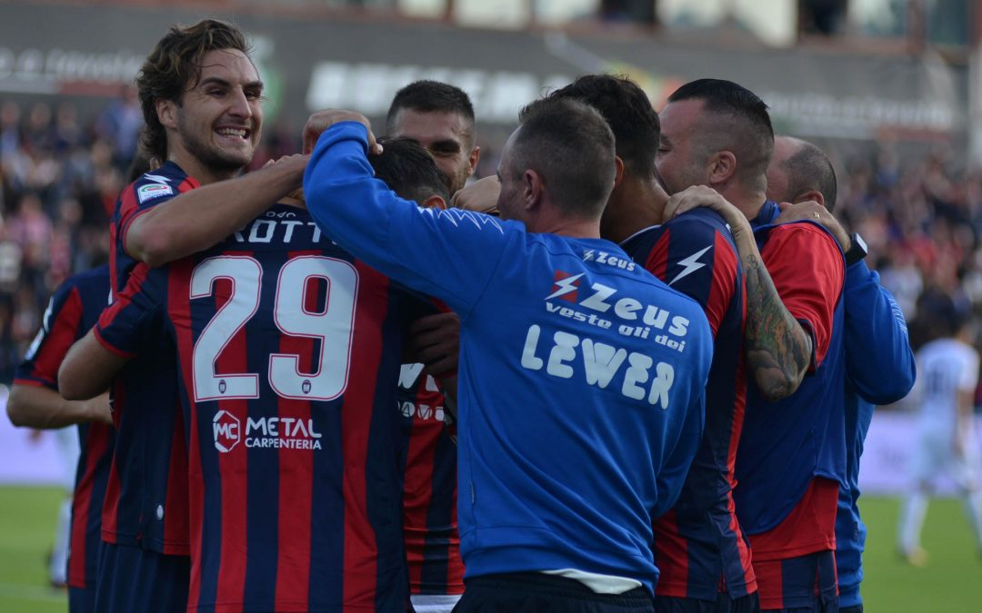 Calcio, il Crotone torna a sperare nella Serie A  Chiesta una pesante penalizzazione per il Chievo