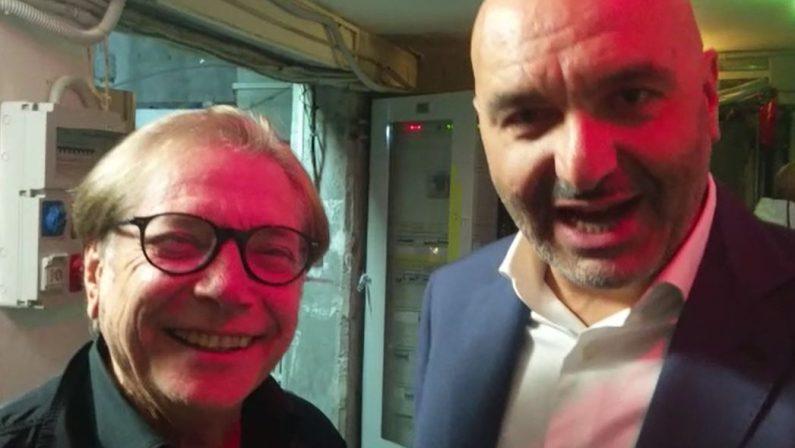 Nino D'Angelo a Cosenza in concerto, ma prima abbracci e commozione con un ragazzino di tanti anni fa
